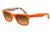Luxottica sees solid 2011 after record year