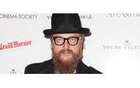 El diseñador Johan Lindeberg lanza solo de forma online la nueva marca contemporánea de lujo 'BLK DNM'