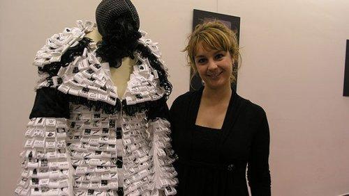 La ropa hecha con reciclaje de Edurne Ibáñez, expuesta en Burlada