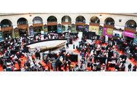 フランスのオートクチュール技術を残すための展示会「メイド・イン・フランス」開催
