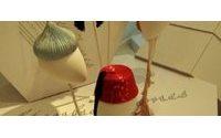 Stephen Jones tasarımı şapkalar Vakko Moda Merkezinde