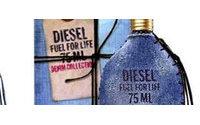Marlon Teixeira, 100% denim para la nueva fragancia de Diesel