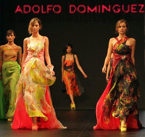 Bogot encandilada con la vitalidad de adolfo dom nguez y for Ultimas noticias de adolfo dominguez