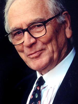 Pierre cardim, com 88 anos, ainda comanda os negócios da empresa - Foto   Divulgação a728958fbf