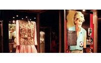 Zwei Lady Di-Kleider für 276 000 Dollar versteigert