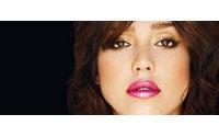 Jessica Alba amadrina la nueva explosión de color de Revlon