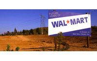 Wal-Mart tops view&#x3B; key U.S. sales down 1.1 pct