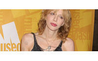 Courtney Love si vanta di aver snobbato Topshop