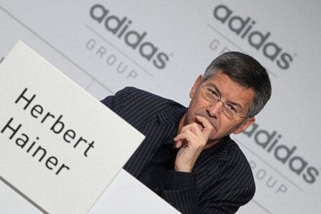 adidas renueva a su CEO hasta 2017
