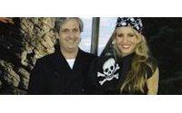 Amaya Arzuaga y Miguel Palacio llevan su moda Pirata a Disneyland