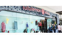 Lululemon eyes $1 billion in revenue