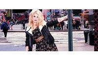 Kelly Osbourne fotografa segunda campanha para marca de Madonna