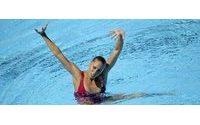 Gemma Mengual promociona su nueva fragancia como pez en el agua
