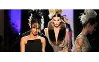 Gaultier bringt am Ende die Haute Couture zum Krähen