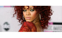 Armani escolhe Rihanna como nova garota-propaganda