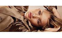 Rosie Huntington será 'El cuerpo de Burberry'