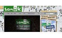 デッカーズ アウトドア コーポレーション、Sanukの買収を完了