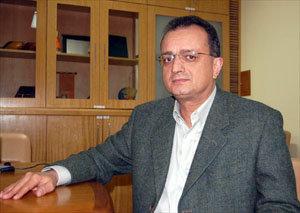 d6c36746a Em notícia veiculada na sexta-feira (22 de julho) no jornal Folha de São  Paulo, o presidente da Vulcabras/Azaleia, Milton Cardoso, admitiu que  forjou ...