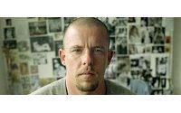 Alexander McQueen dejó 57.000 euros de herencia a sus perros