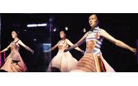 侯赛因·查拉扬 把艺术穿在身上