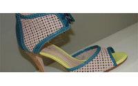 Recortes e vazados nos calçados do verão