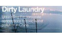Greenpeace denuncia: sostanze tossiche in abiti di grandi marchi