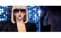 """Lady Gaga ataca críticos de moda e """"fundamentalismo"""" elitista"""