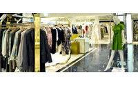 """Consumi: i """"Fashion Addicts"""" riducono le loro spese"""