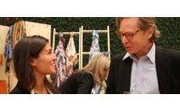 Em lançamento, Hermès traz artesã francesa para fazer bolsa ao vivo