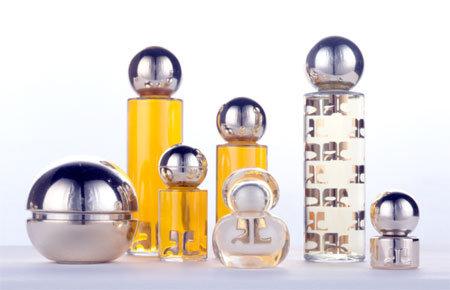 courr ges signe avec lorience pour ses parfums news. Black Bedroom Furniture Sets. Home Design Ideas