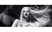 Versace for H&M発売日が決定、ビジュアルも公開へ