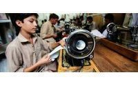 Some Pakistani industries view India trade with alarm