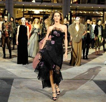 Жизель Бундхен, Givenchy