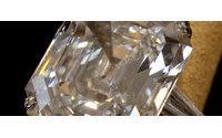 La vente aux enchères des bijoux d'Elizabeth Taylor bat des records