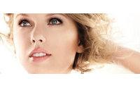 USA: une publicité pour mascara retirée à cause d'une photo trop retouchée