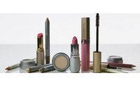 Las españolas gastan una medida de 25 euros en maquillaje al año