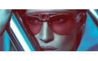 Gisele é o rosto da campanha de óculos