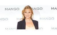 Kate Moss, de negro y marfil para la nueva campaña de Mango