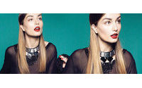 Top romena foi clicada para editorial Vogue Brasil