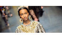 Las flores y el encaje toman el poder en el Barroco de Dolce & Gabbana