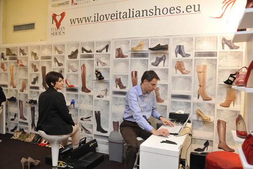1f98ebe3f5 Fueron 170 empresas, coordinadas por la Federación de Industrias del  Calzado Español (FICE), más otras 21 las que acudieron a Micam.