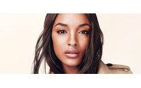 Burberry lanza su propia línea de bases de maquillaje
