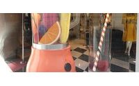 Uma sinfonia de cores até nas vitrines das alamedas chiques