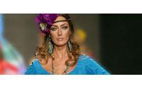 Una exposición muestra en Francia un recorrido por la historia de la moda flamenca con trajes de conocidos diseñadores