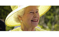 Fashion plaudits for Queen Elizabeth's impeccable style