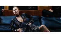 Salvatore Ferragamo yeni kampanyaları için Kate Moss'u seçti