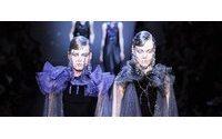 Couture: la sensualité de Gustavo Lins, les voilettes brodées d'Armani