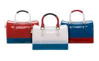 Марка Furla представила круизную коллекцию сумок