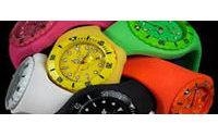Use Fashion - Cores nos rel&oacute&#x3B;gios