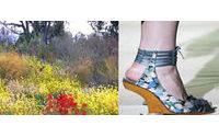 UseFashion - Flores adornam os calçados femininos